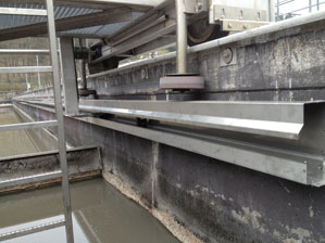 Energy chain system and flexible cables in large-scale wastewater treatment plant