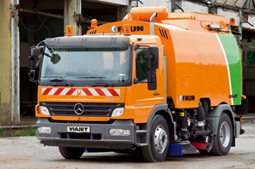 Road sweeper made by FAUN Viatec GmbH uses iglidur plain bearings